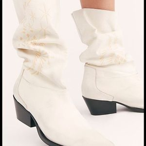Free people moon 🌙 and back boots 🌙🌟🌙🌟